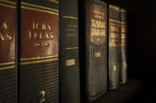 Bookcase-books-bookshelf-159832 (2)